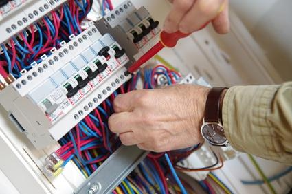 Remplacement de fusibles sur tableau électrique par Neos Bâtiment, Marseille 13007