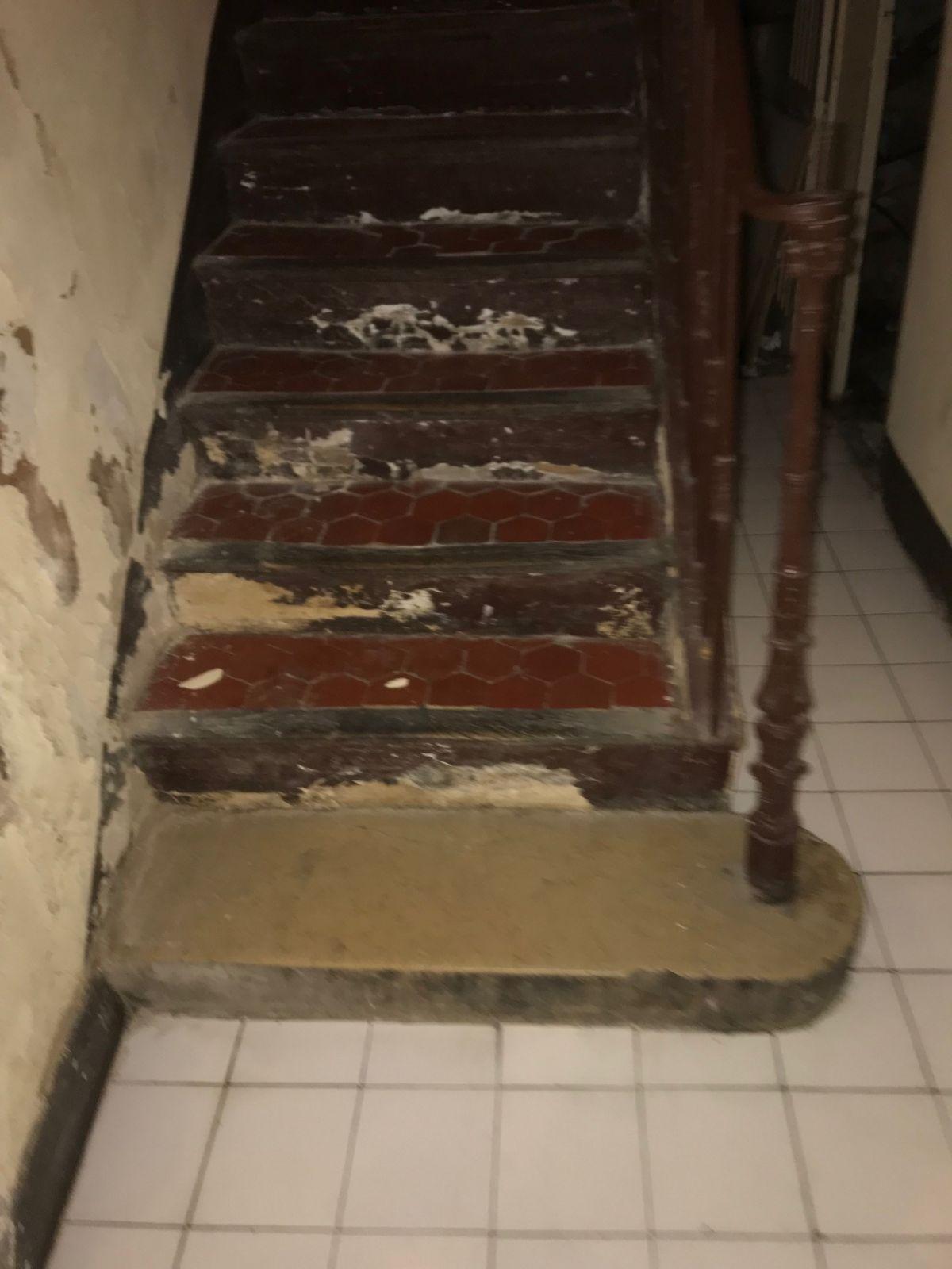 Cage d'escalier la Ciotat lors d'un dégâts des eaux